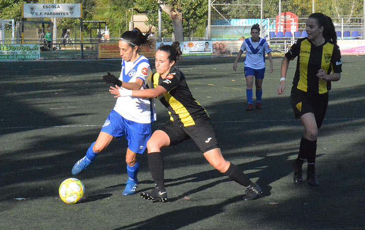 Click to enlarge image 191011-femeni-01.jpg